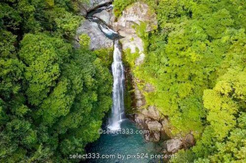 銚子の滝 愛媛県新居浜市の滝!ドローンで撮影した上空からの写真