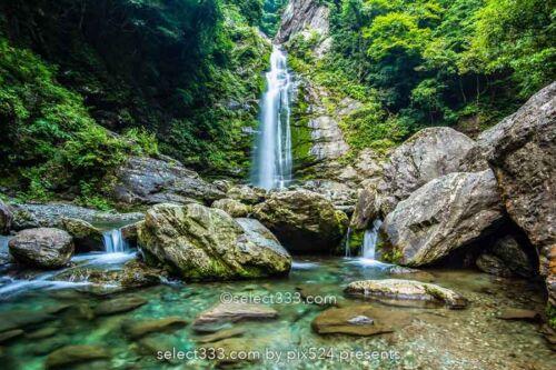 銚子の滝 愛媛県新居浜市の滝!滝壺から少し離れた場所から撮影した写真