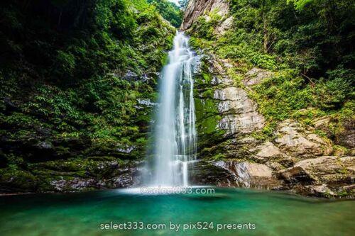 銚子の滝 愛媛県新居浜市の滝!滝壺前からの撮影した写真