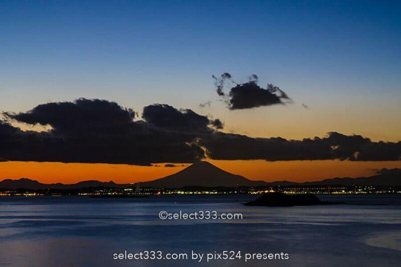 富津岬からの東京湾!明治百年記念展望塔と富士山の見える風景!夕焼け美観の千葉の海岸