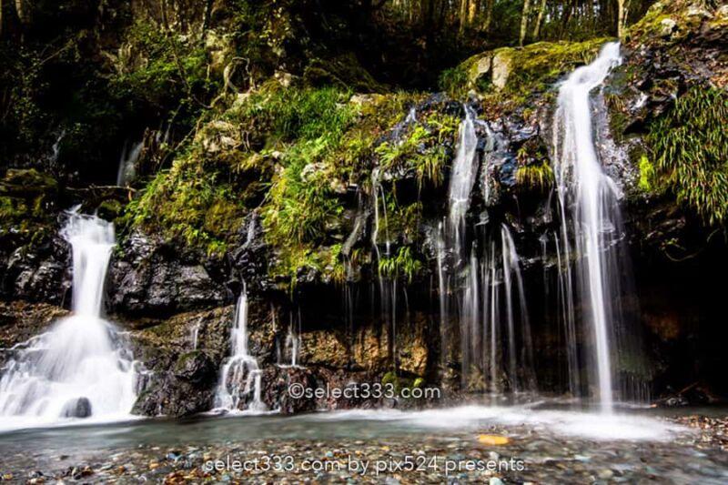 陣馬の滝!富士山の麓にある滝のひとつ朝霧高原の小さな名瀑布!隠れた滝の撮影地