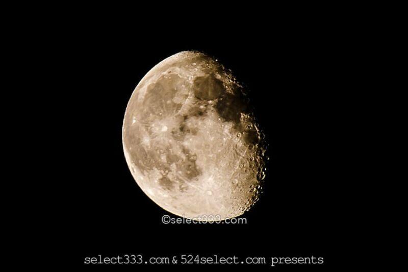 月の撮影方法【月のアップ撮影】月のクレーターを綺麗に写すには?雲を入れた構図