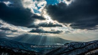 天使の梯子を撮影しよう!雲の隙間の光芒を探して撮ってみよう!様々な薄明光線の撮影