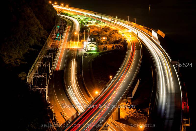 車の光跡を撮ろう!長時間露光で車の光跡を写す夜景写真撮影法!光跡写真の撮影方法