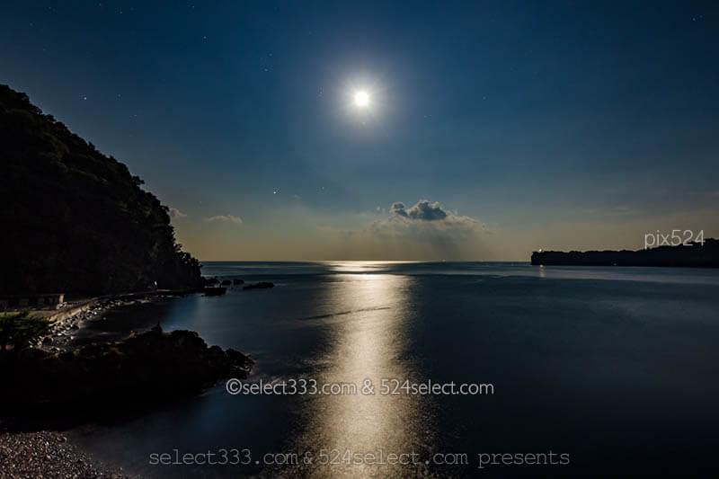 ムーンロードの撮影!海で見える月の道ムーンロード撮影方法!月が作る光の道を撮ろう!