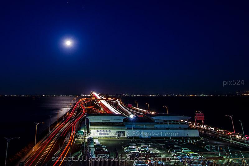 8月の満月撮影地探しのヒント!月の出の位置とベストポジション!海に繋がる月光東京湾編