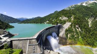 黒部ダムの観光放水!立山黒部アルペンルート観光・撮影旅行に!夏の撮影観光スポット