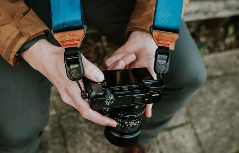 おススメのカメラストラップは?機能性やファッション性で選ぼう!一眼レフやミラーレス