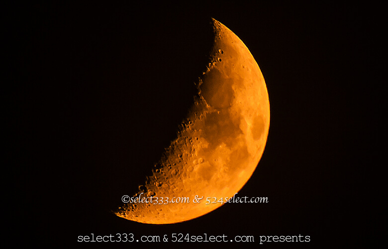 月の撮影方法〜月のアップ編〜雲を入れた構図で雰囲気作りを!クレーターもくっきりと!