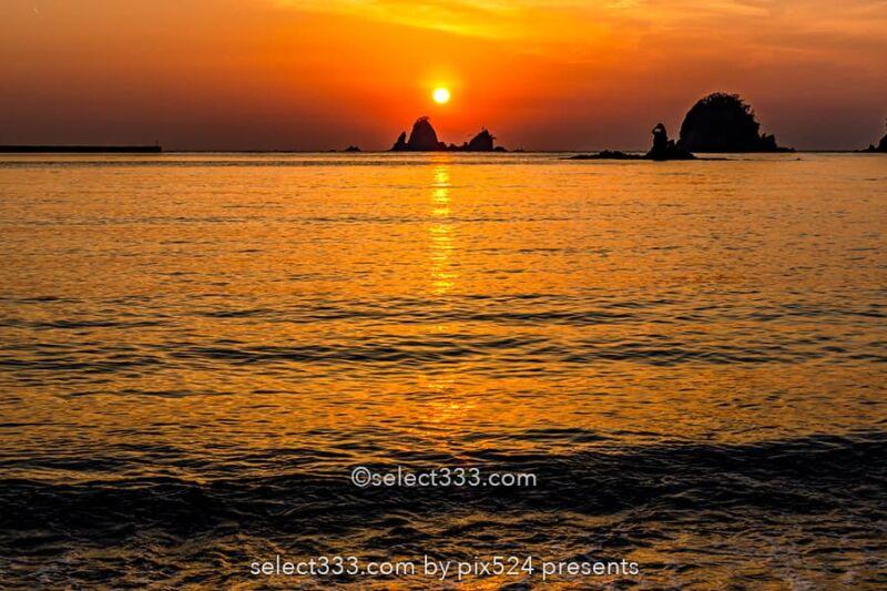 太陽の光の道を撮影!海面や水面に現れる朝日や夕日の光の道!太陽と海の道の撮影方法